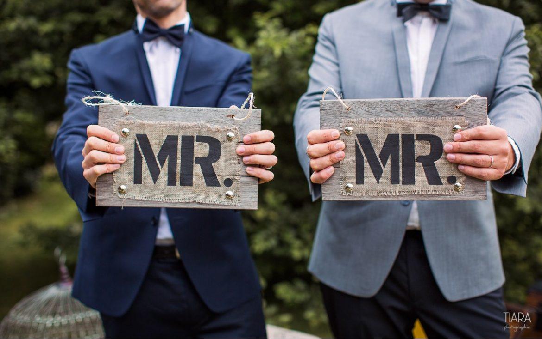 Mariage gay : Apple et les entreprises «gay-friendly» dans le collimateur du Printemps français